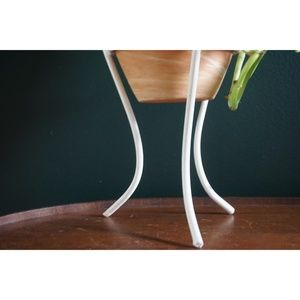 Vintage Accents - vtg white metal hairpin leg plant stand